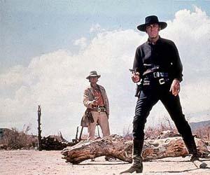 Un chapeau noir et un chapeau blanc dans 'Il était une fois dans l'ouest'